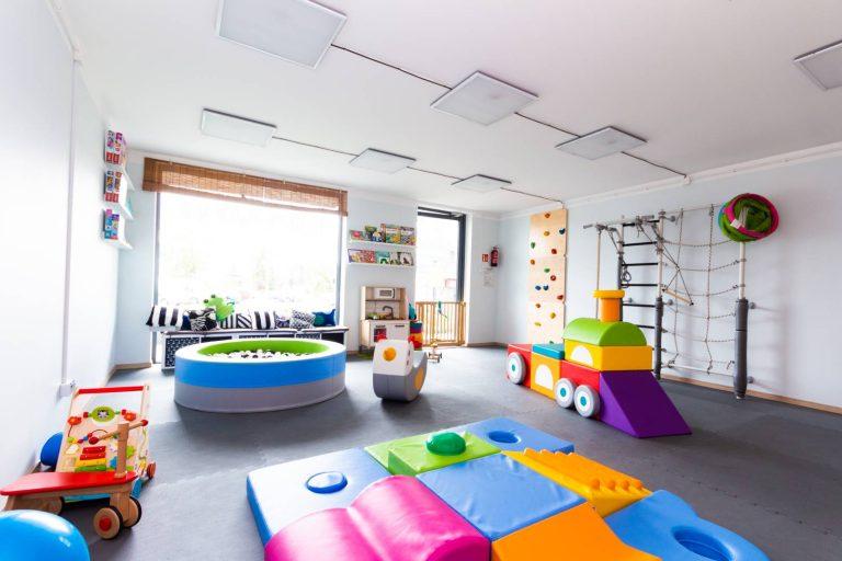 Widok na salę zabaw dla dzieci